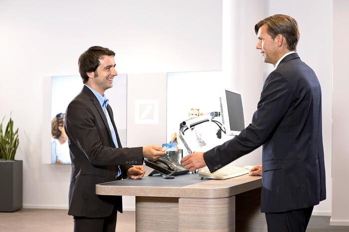 bankfiliale-kundenberatung-klein