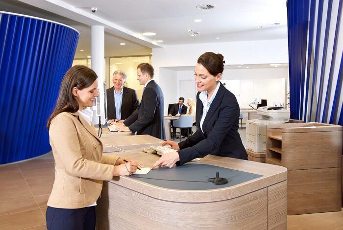 deutschebank-dialogtresen-klein