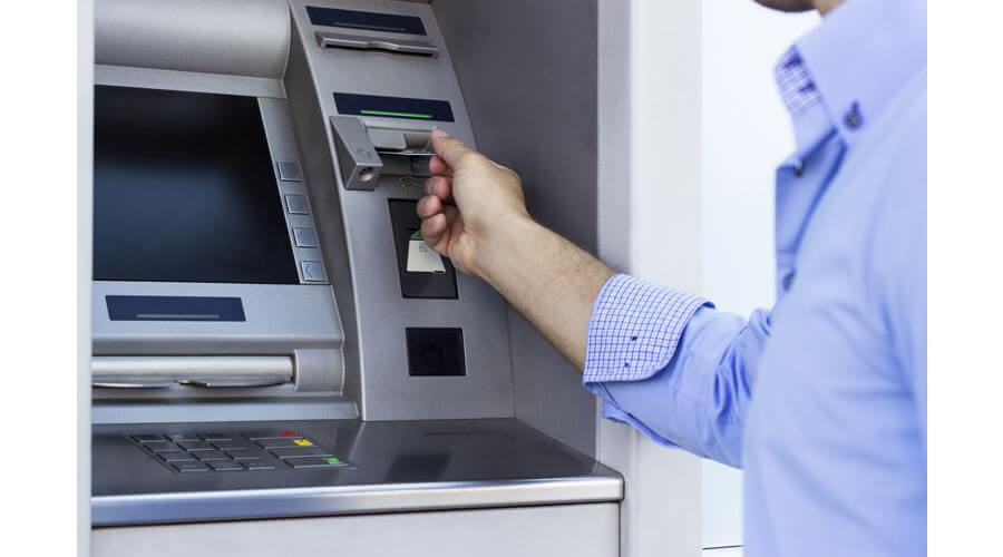 geld-abheben-gross