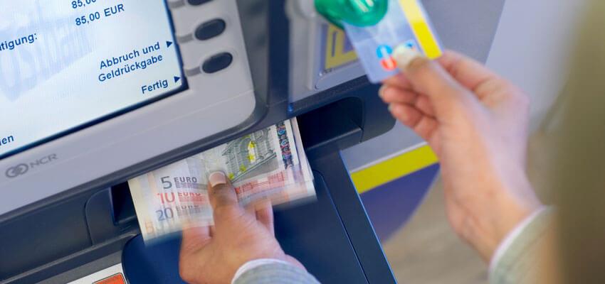 geldautomat-abheben-neu