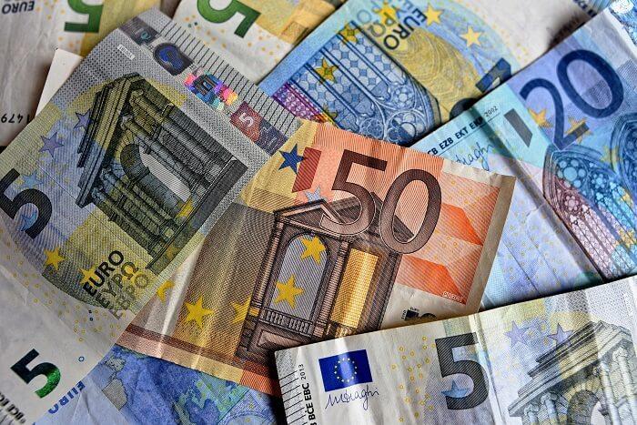 geldscheine-banknoten-bargeld