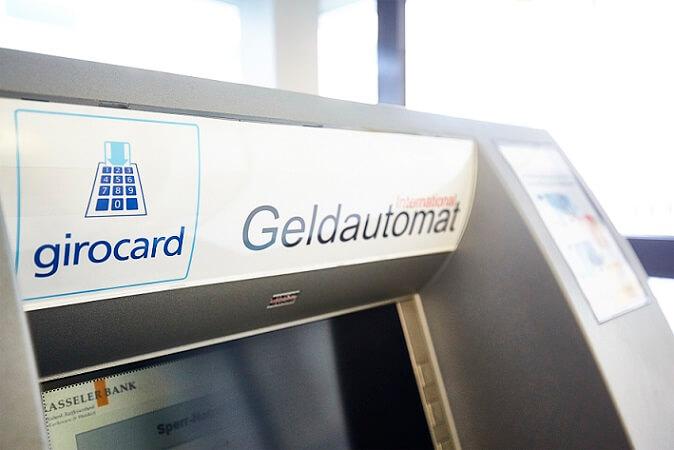 girocard-geldautomat