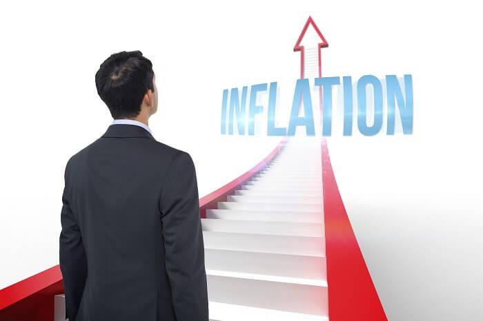 inflation-treppe-mann-klein