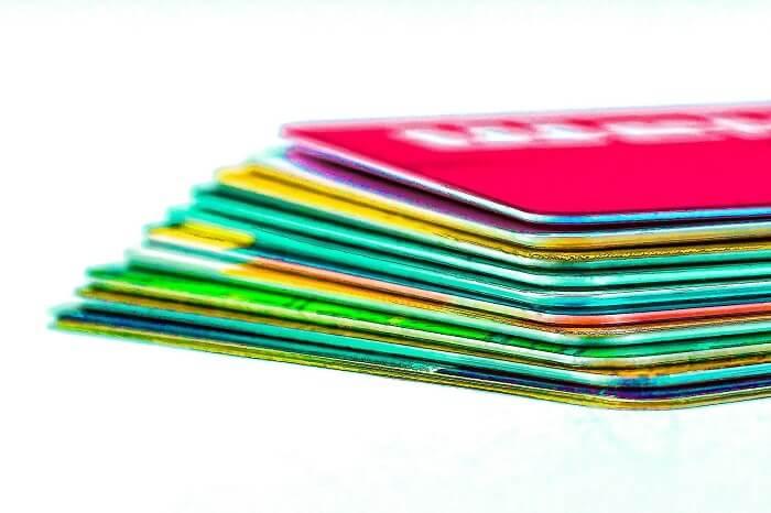 kartenstapel-kreditkarten-klein