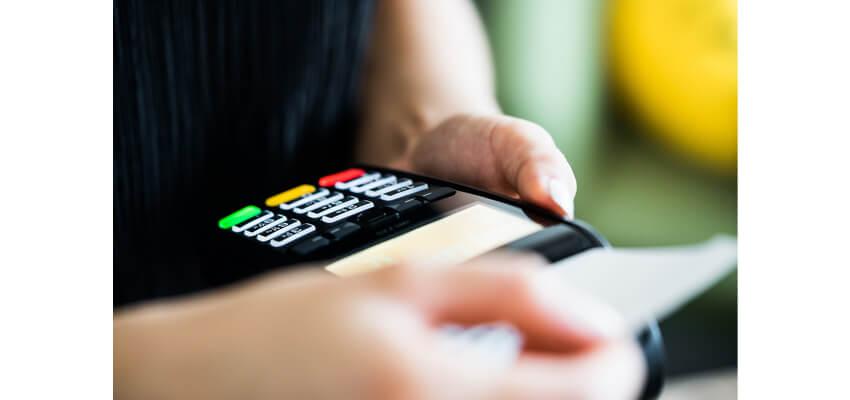 kartenzahlung-lesegeraet-kreditkarte-neu