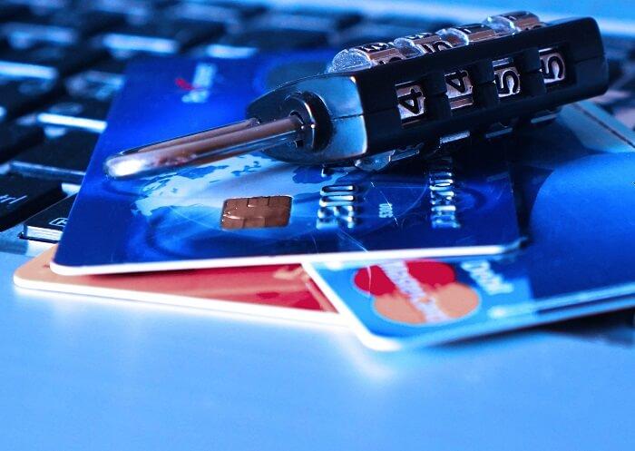 kreditkarten-zahlenschloss-klein