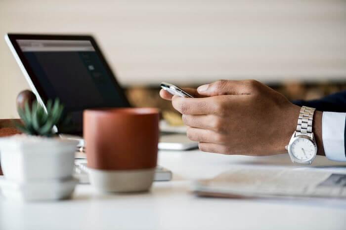 laptop-smartphone-uhr-klein