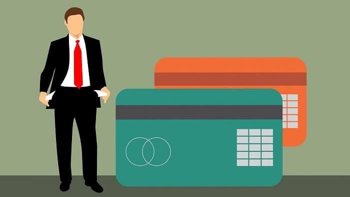 mastercard-kreditkarten-businessmann-klein