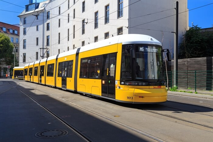 straßenbahn-tram-klein