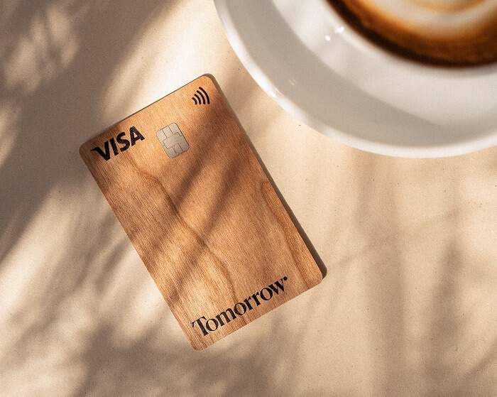 tomorrow-visacard-holzkarte