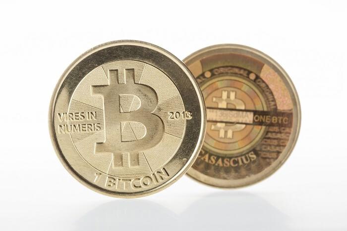 zwei-bitcoin-münzen-klein